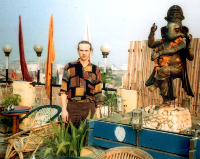 Steve Harle in India next to Ganesh
