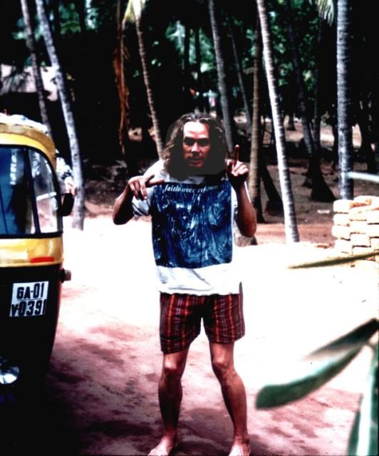 steve in Goa dancing1