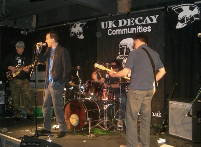 UK-Decay Soundcheck 01 Hat Factory Luton Jan27 2007 001 1200